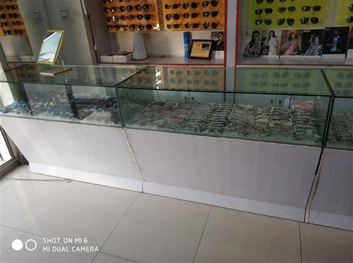 文具店。眼镜店展柜。八成新。需要的联系。