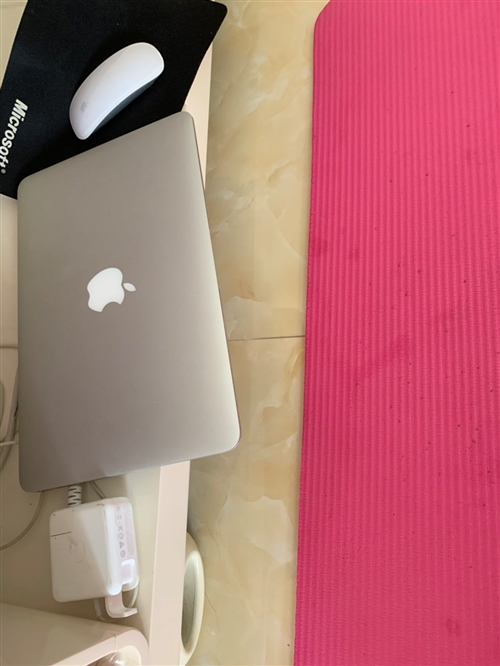 苹果 MacBook Air 配件齐全 一△直用于办公!最近离职了闲置眼中也充满了凝重之色了,最好当面交此时此刻易。i5 128G