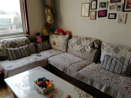 9成新沙發轉讓,因工作調動,忍痛,割愛,低價出售,尺寸4.1米。