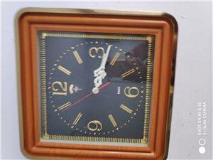 家有店里剩下的几十块石英钟,10元起价,保证走时准确,有需要的联系,13068020566