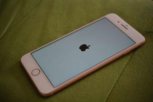 苹果8p.急出 橙色新,无任何问题,自取