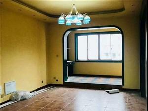 南河电梯公寓,精装修未住人,带车位,82万,套三,看房电话18784901112