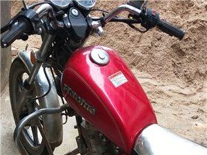 本人自用车,中国名牌豪爵太子摩托车。125机头省油动力强劲,外观7成新,现在已闲置,有诚意的老板请来...