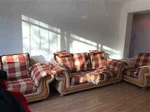高档沙发:河口路兰新小区工行边二号楼