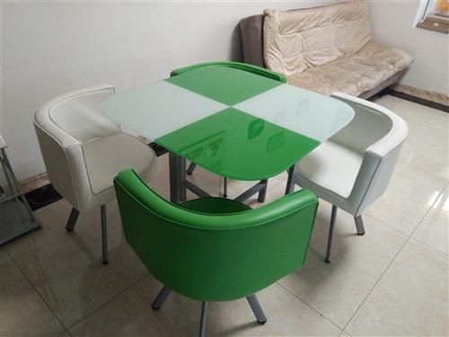 九成新的桌子,好用,好看
