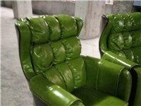 品牌沙發,質量非常好,人體工程學設計,座感舒適,現低價轉讓,數量有限,需要的趕緊聯系我!