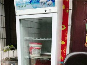 冷藏柜煮面�t蒸�\碗勺桌凳等大量工具出售可��
