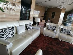 处理抵账全新品牌真皮沙发,原价4万多的,处理价1.8万,货在金沙国际网上娱乐官网,酒嘉免费送货上门。1890937...