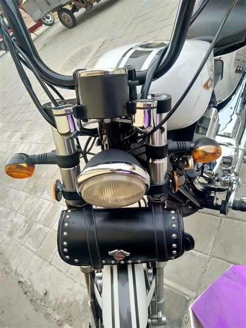 本人有辆大地鹰王摩托车350出售九点五成新,,证件齐全可以过户,有意者联系15109378076。