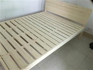 实木床转让,全新,长两米宽一米五