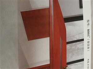 九成新3*1.5米会议桌一张1000元,椅子十张(100/张),办公电脑?#25945;ǎ?#20215;格实惠,价格可商量,...