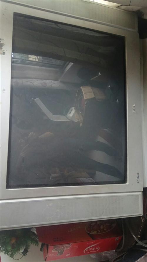 閑置老式32寸電視一臺,使用正常閑置了,轉給有需要的人。