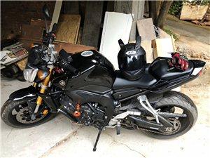 出一台雅马哈FZ1N,1000cc,车况良好,刚换的米其林防滑后胎和7100机油,大保健完不久,到手...