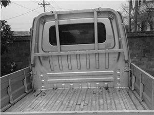 长安轻卡,双排座,可以载人,适合拉货,做生意。