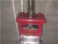 80采暖炉,铝合金暖气片四组。就用了一个冬天。价格方面可以再商量。