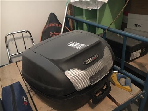 闲置夏德40尾箱,二月底买车时一起买的,太累赘就扔地下室了