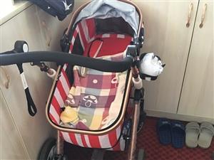 高景观婴儿车,没怎么用过,干干净净的,现在便宜卖了,配置都齐全,在小优之家买的500多,如今300卖...