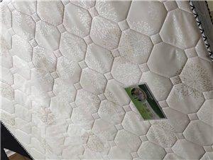 席梦思床垫,1.8米X2米,用了一个月,换新床,床垫不用了