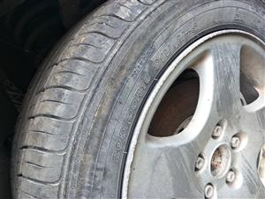 二手汽车配件   轮胎发电机发动机  起动机 玻璃五菱长安吉利