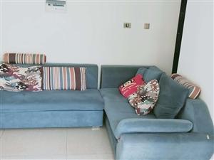 华源轩买的沙发,一套5000多新的,用了两年多。沙发可以拆洗,所有枕头也可以拆洗,  闲置着,有...