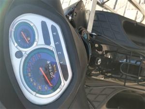 卖燃油助力摩托车。新车刚跑700公里,磨合期没过。。机油刚换完一天。家刚买台大车,这个不骑了放家没地...