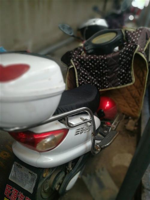 去年七月份换的电瓶和真空胎,现在不骑了放在厂里,充电能骑三十公里,在桐城市卅铺工业园,非诚勿扰