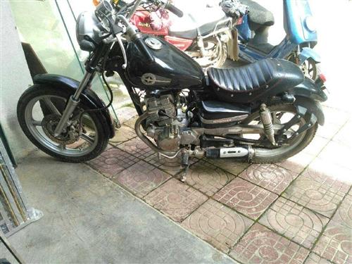 复古双缸125摩托!发动机状况不错!好启动!避震靓不漏油