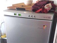海尔冰箱,双开门,外观完好,正常使用,就是我家买了一个大冰箱,所以这个用不到了,有看上的电话联系,用...