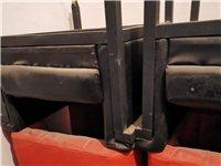 網吧桌椅板凳轉讓。在杞縣聯系方式18697787898。