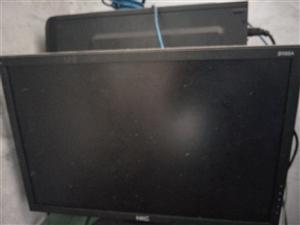 出售一台高配电脑  鼠标  键盘 全是无线的  买成2400多  买来都没怎么用 现在低价出售
