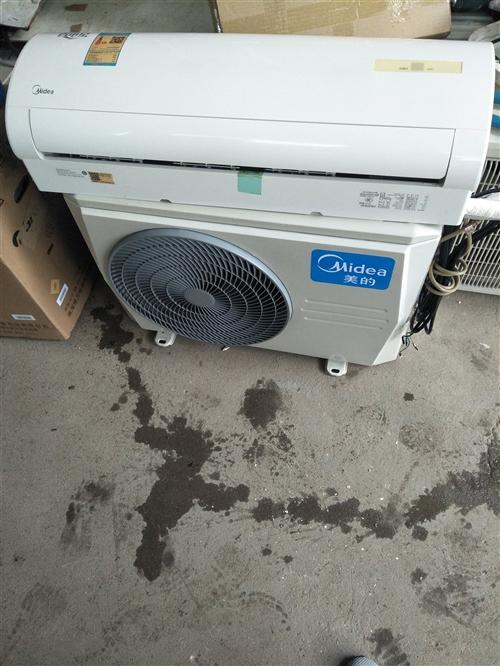 美的1.5匹变频挂机 空调17年买的 没怎么用 成色如图 很新  变频省电星 高端机 看上的可以送货...