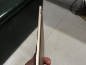 ipad mini4    国行金色,成色九成行,功能一切正常,16G的。小妹用的,很爱惜。刚换的电...