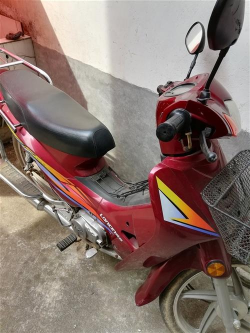 11年买的摩托车九成新,才跑3500公里,没有年审,现转让1000元。