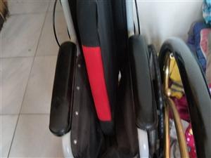 折叠轮椅,9.9成,用了一次,低价出售!