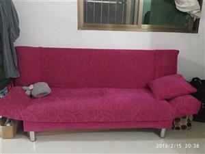 布沙发,颜色是灰色,带两靠枕,靠背可以放下当床睡,同城自提,99新