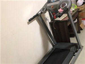 出售二手跑步机,九成新,原价2100元,现价1100元,同城交易方便,联系电话13850742748