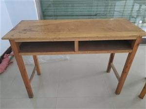 全新课桌,闲置不用了,价格美丽,面议