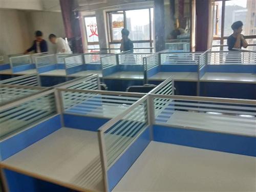 公司诚意转让办公桌椅99成新,异地可送货