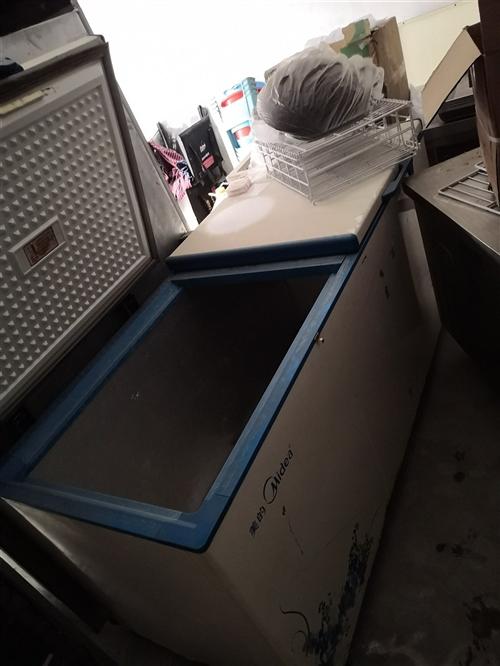 出售冰柜 有需要的可以看看货