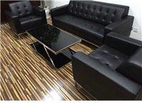 所有办公家具都有,沙发只是其中一样