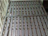 2米x1米的钢丝床。工地上守护工地当卧具,家居夏天乘凉等很好的用途。
