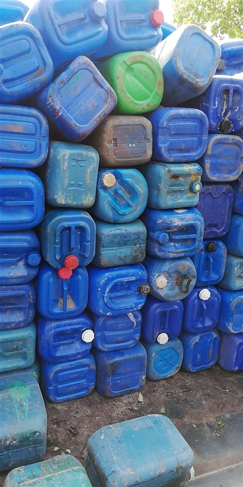 高价回收小蓝桶