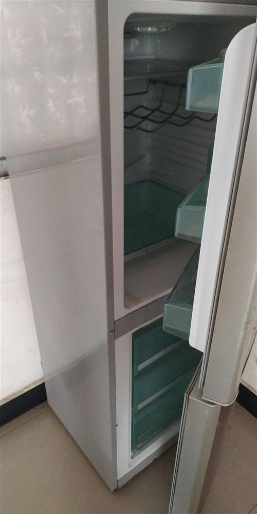 两用立式冰箱,新飞牌!七成新,制冷完美!原价2200,现在400甩卖!