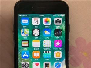 苹果7亮黑色,128G内存,外观有使用磨损,功能完全正常使用,放在家里用不着。电话183811161...