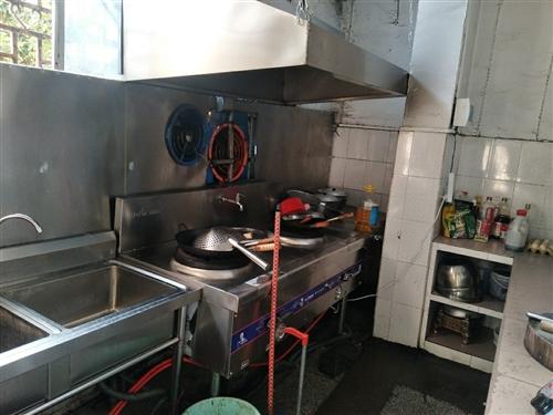 餐馆设备,猛火灶,1.6米圆餐桌带凳子4套,1.2米长方形桌4张,酒店花纹盘4桌/12,点菜柜一台,...