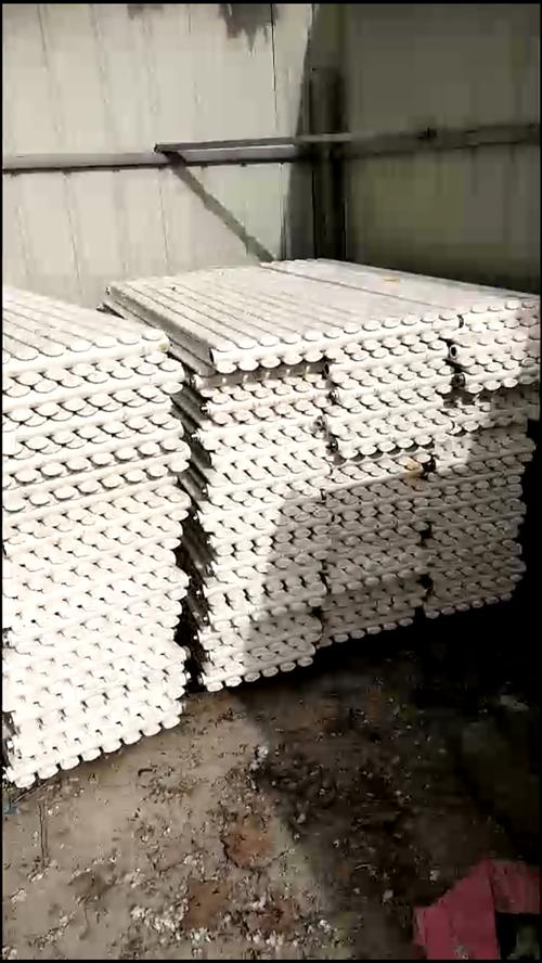 淅川哪有卖二手暖气片批发的?旧暖气片也中!碳钢的1.6米或0.6米高的都可以的,