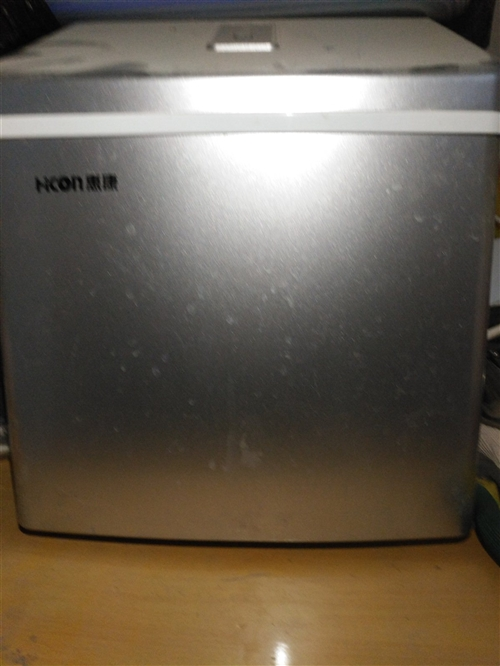 小型制冰机原价850,九成新300处理