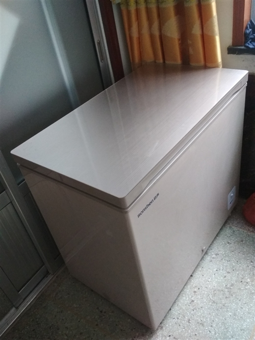 冷柜出售,磕碰機。未使用,