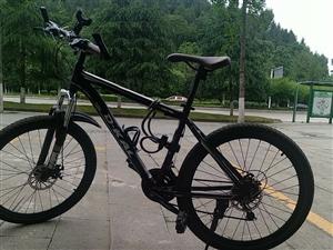 山地自行车  骑了一个多月,因为离上班比较远要换电动车,所以转卖,有意者私聊。同城可面交。 配件...