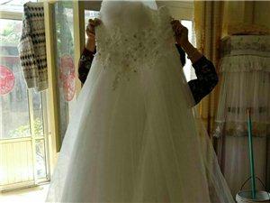 全新婚纱,价格可议